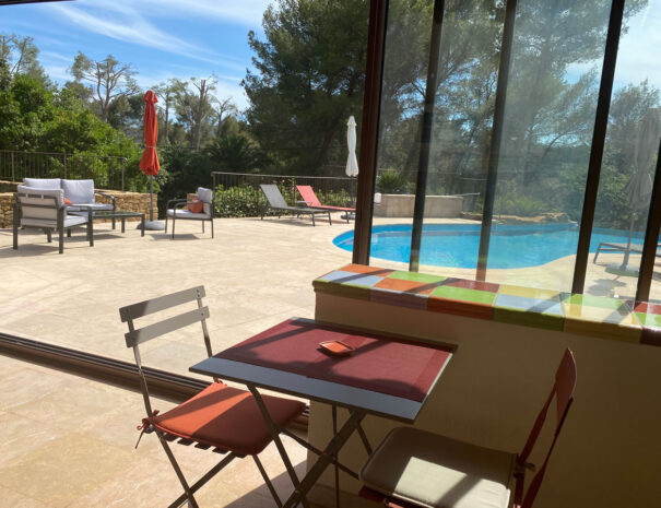 chambres d'hotes le beausset terrasse couverte une pause en provence